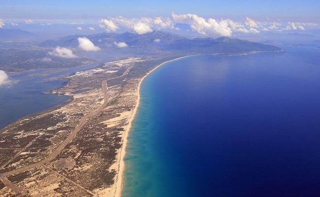 Vịnh Vân Phong Đầm Môn sở hữu bãi biển đẹp nhất thế giới
