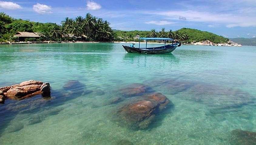 Kinh nghiệm phượt vịnh Vân Phong khách du lịch cần biết