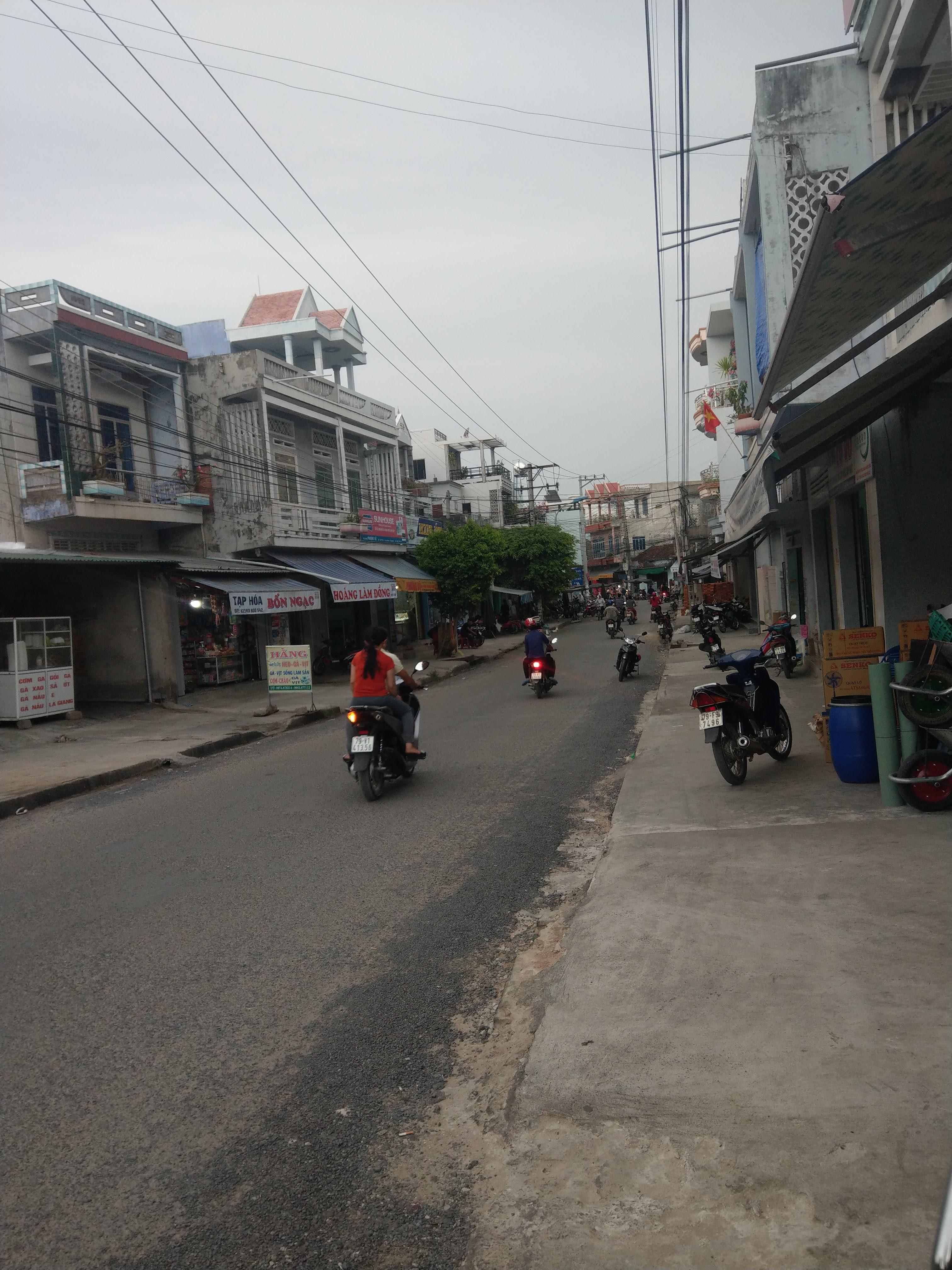 Chợ Tu Bông 1