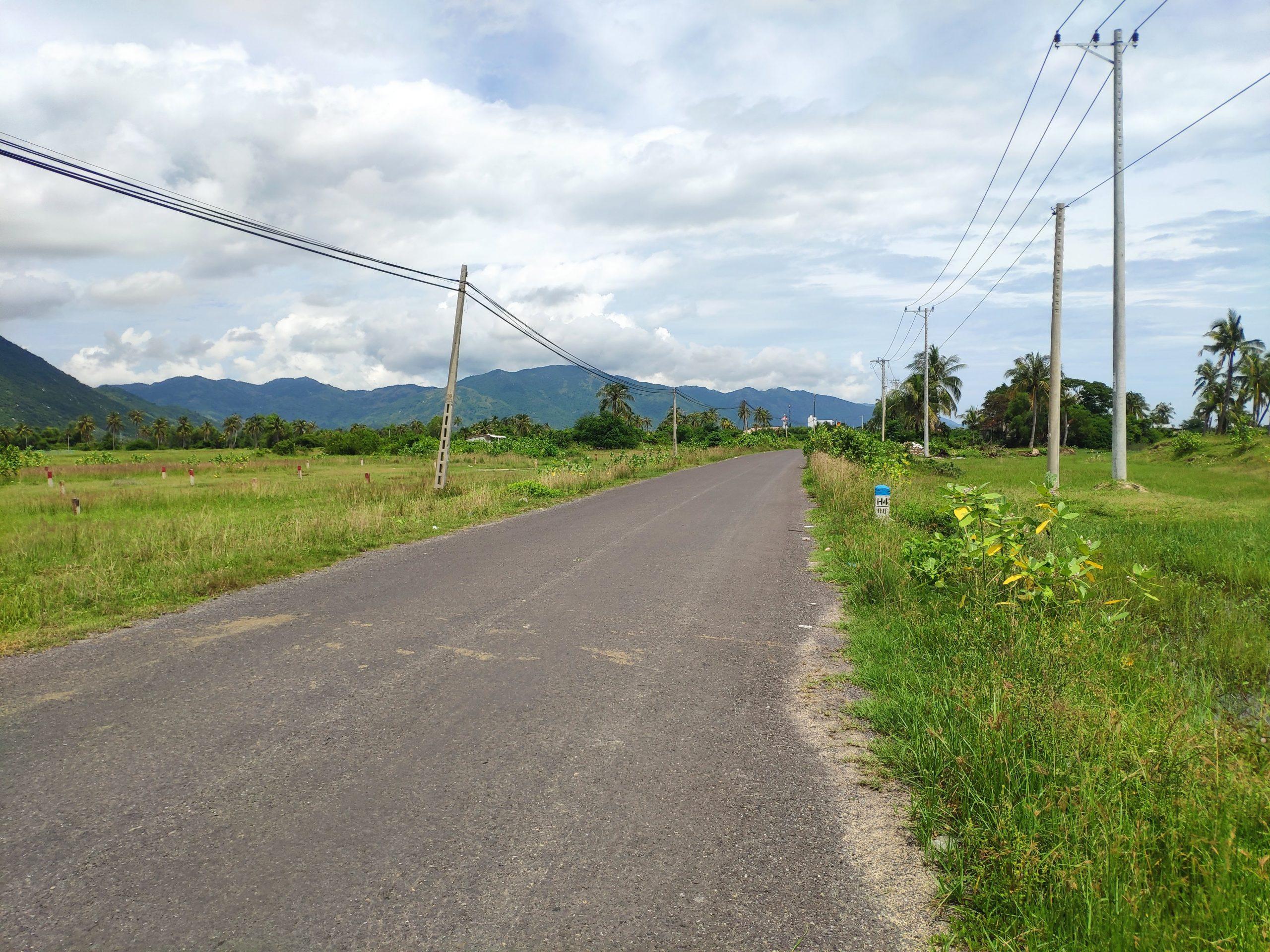 Mặt đường Nguyễn Huệ Vạn Ninh 4