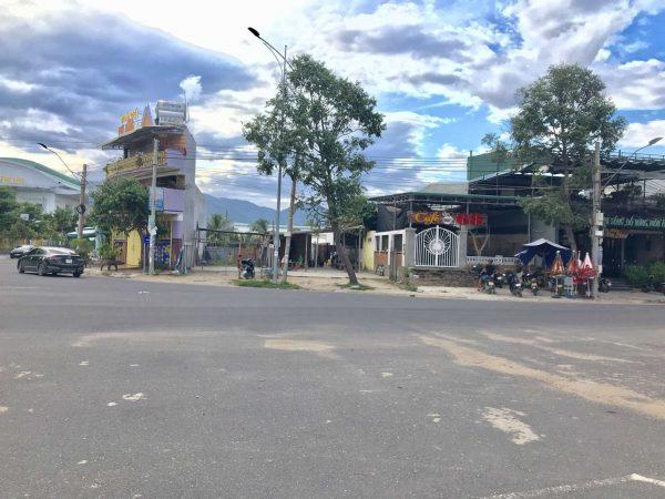 Mặt đường Trần Hưng Đạo – Trung tâm TT. Vạn Giã
