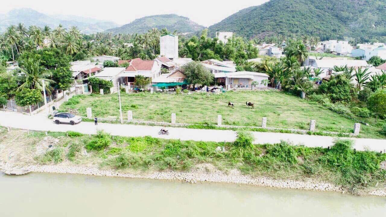 Ven sông Cái Nha Trang mát mẻ