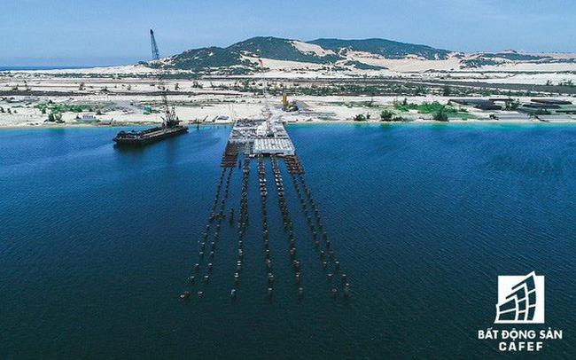 Cảng trung chuyển container quốc tế Bắc Vân Phong Đầm Môn