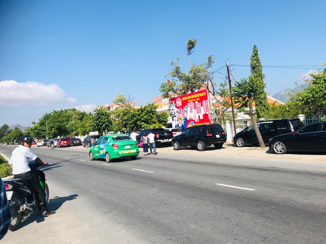 [13/05/2019] Xe cộ tấp nập đầy đường. Hà Nội, Sài Gòn, Gia Lai ...