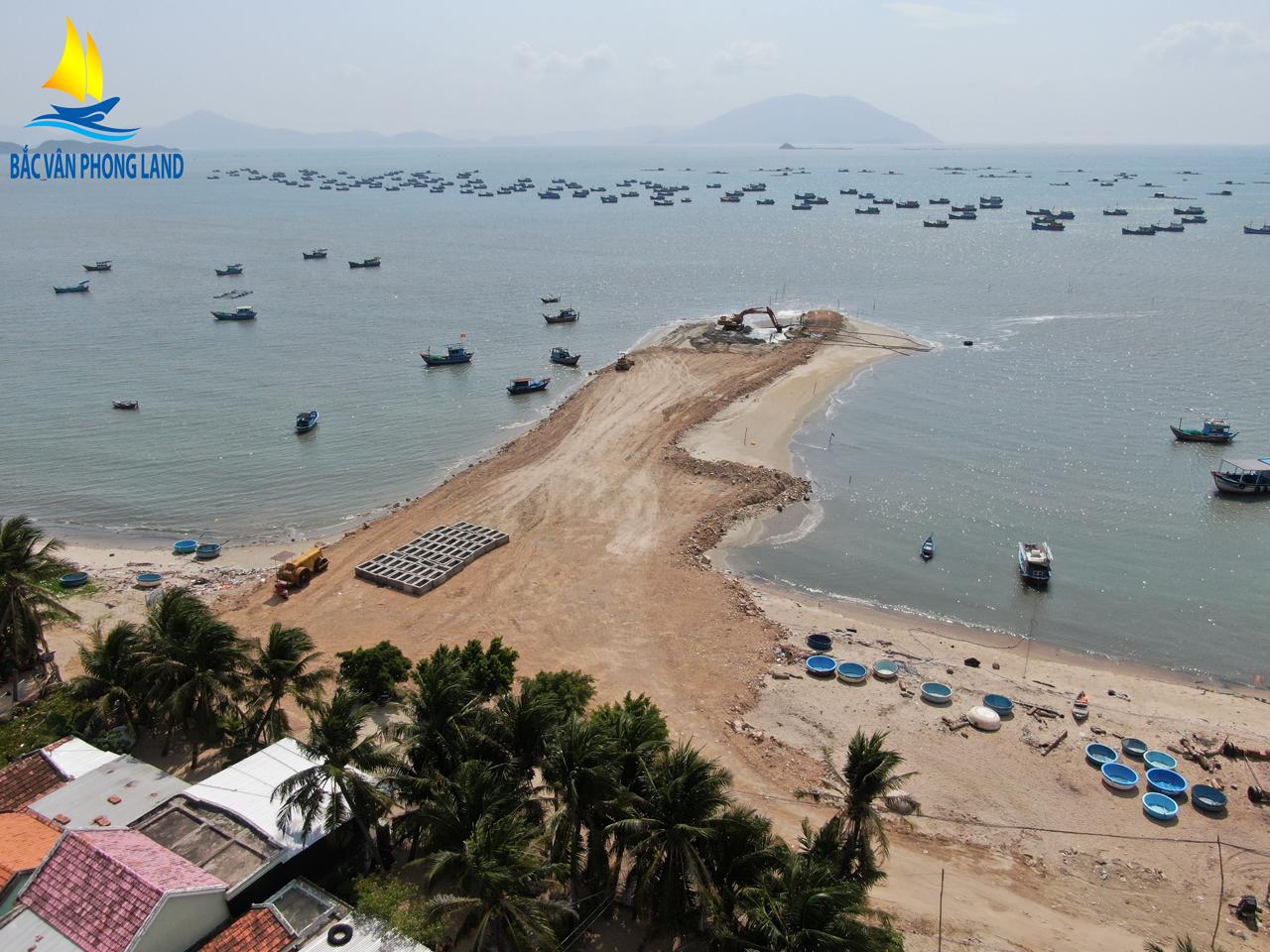 Cảng Cá đang được xây dựng nhằm thay thế cảng cũ