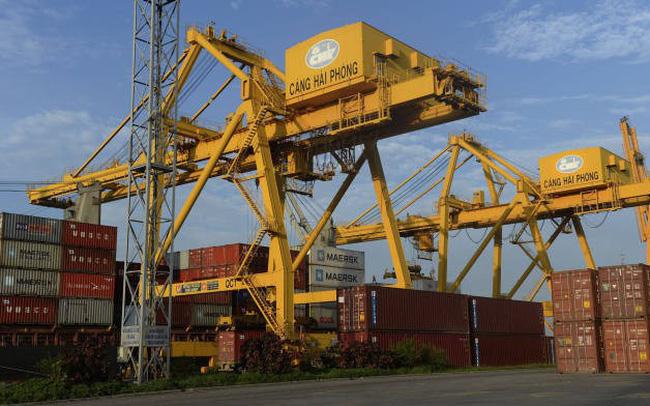 Bloomberg cảnh báo nếu Việt Nam không đẩy nhanh nâng cấp hạ tầng cảng